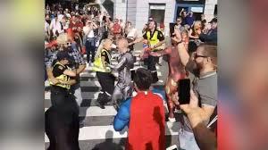 politiet danser i gatene i bergen vgtv
