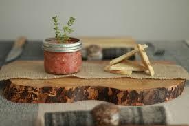assiettes en bois plateau à charcuterie unique en bois d u0027érable ebwã