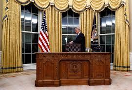 Trump Oval Office Rug by Oval Office Desk Lbj Library Recreation Of Lbj Oval Office Desk