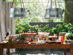 Backyard Bbq Wedding Ideas by Set Up A Buffet And More With Easy Backyard Party Ideas Backyard