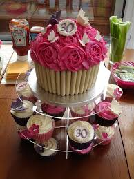 Easy Giant Cupcake Decorating Ideas Best 25 30th Birthday Cakes Ideas On Pinterest Glitter Cake