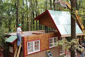 Small Energy Efficient Homes Hobbitat Prefab Micro Houses Are Built From Reclaimed And Recycled
