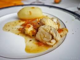 cuisiner la queue de lotte la cuisine de myrtille ragoût de queues de lotte à la tomate