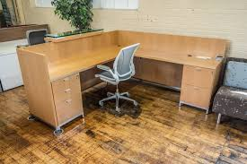 Office Furniture Reception Desk by Tuohy Geneva 8 5 U0027 X 7 U0027 Natural Maple Reception Desks With Leather