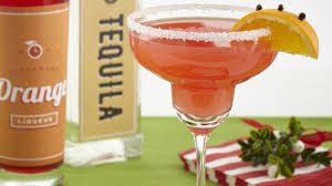 christmas cocktails cd 15 holiday drinks to keep you feeling jolly tablespoon com