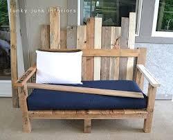 canapé fait maison un canapé pour votre jardin fait de palettesmeuble en palette