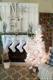 Modern Christmas Home Decor 324 Best Christmas Mantels Images On Pinterest Christmas Ideas