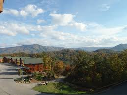 top 3 reasons to stay in gatlinburg cabins in the fall
