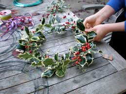 how to make wreaths how to make a wreath 2017 diy how to advice self help guides