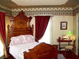Victorian Furniture Bedroom by 48 Best Victorian Bedrooms Images On Pinterest Victorian Bedroom