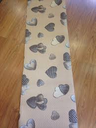 tappeti stile shabby tappeto cucina a metraggio pvc largo 55 cuori beige shabby chic
