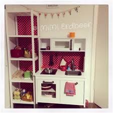 kinderküche bauen diy weinkistenregale kinderküche quicktip mimi erdbeer