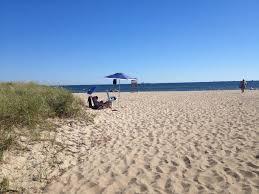 3 beaches 30 restaurants cape island ferries all less than 1