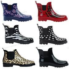 keep your feet dry with women u0027s rain boots popfashiontrends