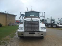 2000 kenworth t800 for sale used 2000 kenworth t800 tandem axle daycab for sale in ms 6604