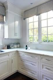 kitchen cabinet crown molding ideas kitchen cabinet crown molding design ideas