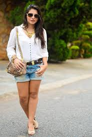 Super Look casual com short jeans e camisa branca - Bárbara Urias | No  #LQ36
