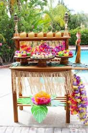luau table centerpieces maggie s dinner dates hawaiian luau party ideas things i like