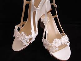 wedding shoes for grass best 25 wedding shoes lace wedges ideas on outdoor