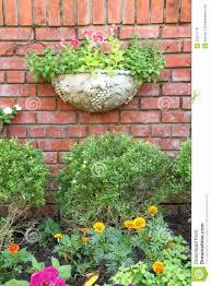 five fresh decorative brick walls garden