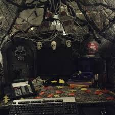 office 25 scary themes office halloween decoration ideas