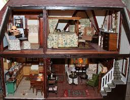 Dollhouse Decorating by The Tudor Bedchamber Dollhouse Decorating