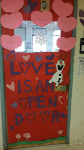 best 25 frozen classroom ideas on pinterest olaf bulletin board
