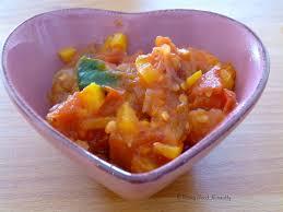 cuisiner des l馮umes sans mati鑽e grasse sauce tomates poivrons épinards sans matière grasse vegan