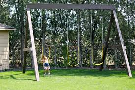 dandee swinging