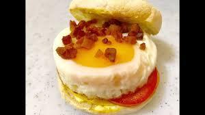 cuisine tomate egg tomato and cheese breakfast sandwich อาหารเช าแซนด ว ชไข