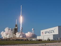 elon musk has job openings for 473 people at spacex u2014 here u0027s who