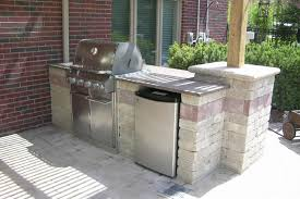 How To Build Outdoor Kitchen by How To Build Outdoor Kitchen With Cinder Blocks Home Decorating