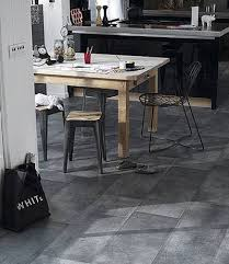 sol vinyle cuisine cuisine sans grands travaux sol vinyle suspension