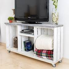 Rustic Tv Console Table Diy Easy Rustic Tv Console Table Craftgawker
