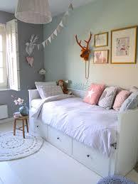 une chambre d u0027enfant pour bien dormir room faux deer head and
