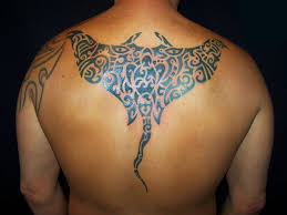sting ray tattoo 25 artistic hawaiian tribal tattoos slodive