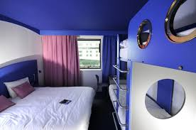 chambre futuroscope chambres nautilus h tel jules verne site du futuroscope parc hotel