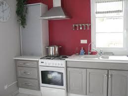 peindre une cuisine en gris idee peinture cuisine meuble blanc maison design bahbe gris clair