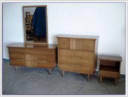 Mid Century Bedroom Furniture Nz Bedroom  Home Decorating Ideas - Mid century bedroom furniture los angeles