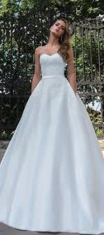 wedding dresses derby dominiss wedding dresses 2017 the magazine