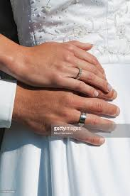 What Hand Does A Wedding Ring Go On by What Hand Does A Wedding Ring Go On Beautiful Inspiration B48