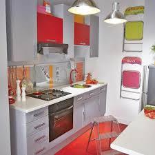 Petites Cuisines Ikea by Petites Cuisines Ouvertes Verrire Blanche Dans Une Petite Cuisine