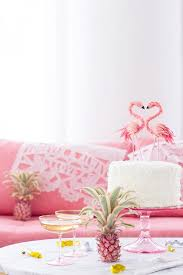 pink flamingo home decor birds of a feather decorating with flamingos