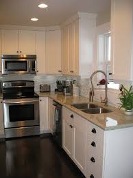 white shaker kitchen cabinets to ceiling white shaker advantage cabinets advantage cabinets
