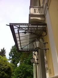 tettoia ferro battuto tettoia sul portone d ingresso in ferro battuto foto di villa