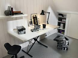 faire un bureau pas cher bureau avec treteau un bureau avec des tracteaux qui servent aussi