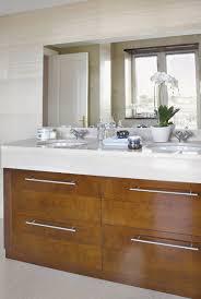 muebles de lavabo un baño dividido en tres zonas muebles de lavabo lavabo y madera