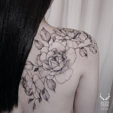 natural flowers shoulder tattoos tattoozza