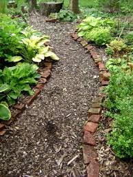 Landscaping Wood Chips by Best 25 Wood Chip Mulch Ideas On Pinterest Wood Mulch Garden