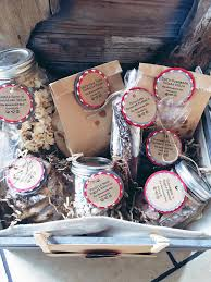 customized gift baskets we heart custom gifts baskets and more the